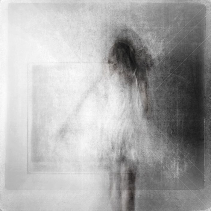 Black and white limited edition fine art print - Woman escaping - Alessandra Favetto